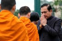 Thai PM visits flood-battered south: six dead, transport disrupted