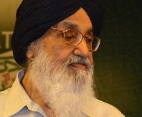 Shoe hurled at Punjab CM Badal in Lambi