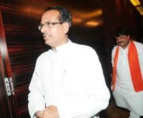 Shivraj Singh at RSS door, corridors abuzz