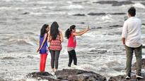 Girl drowns while trying to take selfie