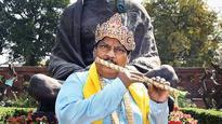 TDP MP Naramalli Siva Prasad protests in Krishna avatar