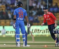 Live: England put India to bat in T20I series decider