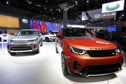 JLR too brings down prices post GST