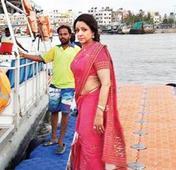 Hema Malini singed over tweets on film shoot