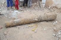 Cannon used by Aurangzeb against Qutb Shahi Dynasty found near Charminar