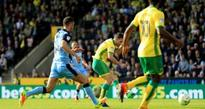 Wes Hoolahan on top form as Norwich go top of Championship