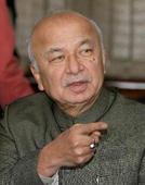 Sushil Kumar Shinde to probe assault on Tanwar