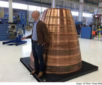 Jeff Bezos' Blue Origin Planning Human Test Flights to Space by 2017