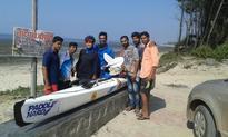 Locals mistake Mumbai kayaker for port surveyor at Nandgaon coast