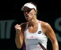 Kerber outlasts Cibulkova in WTA Finals opener