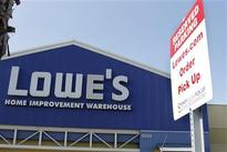 Lowe's results miss estimates, underperforming Home Depot