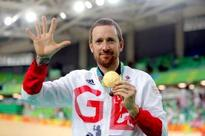 Sir Bradley Wiggins backs Shane Sutton over discrimination allegations