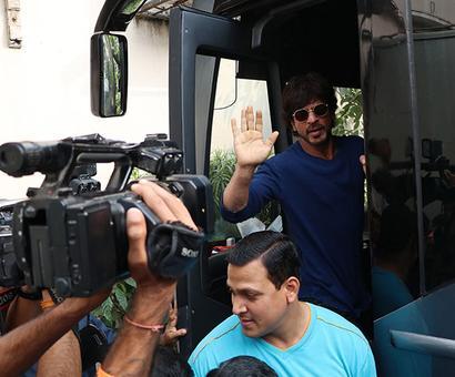 STARS SPOTTED: Shah Rukh, Alia, Hrithik