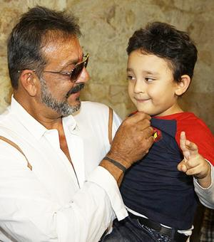 Sanjay Dutt's son to make his Bollywood debut