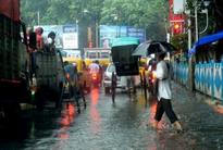 Heavy downpour lashes Kolkata, impede Navami celebrations