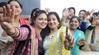Lohri wishes: Rishi Kapoor, Hema Malini, Bipasha Basu, others send greetings
