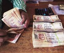 Gurgaon Police arrest five men with 4.9 mn old Rs 500, Rs 1000 notes
