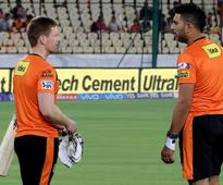 IPL Live Cricket Score, Sunrisers Hyderabad vs Gujarat Lions : Bhuvneshwar Kumar's Double Strike Rattles GL