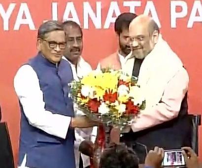 S M Krishna joins BJP; praises Modi, Shah