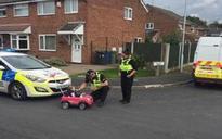 Police 'breathalyse' tot driving pink car