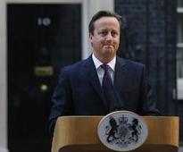UK PM tries to quell party revolt over new powers for Scotland