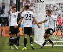 Euro 2016: Julian Draxler dazzles as Germany brush off Slovakia to enter quarters