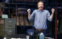 VIDEO: FULLY COMMITTED's Jesse Tyler Ferguson Shares Opening Night Messages From MODERN FAMILY Pals