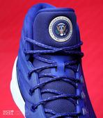 Kicks Fix: Steph Curry honors President Obama with special shoes