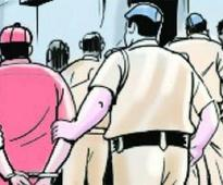 Four arrested for stealing mobiles of rickshaw passengers