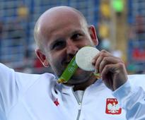 Polish discus thrower sells Rio Olympics silver medal to help 3-year-old cancer patient