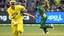 Mohammad Amir, Hafeez help Pakistan record 1st ODI win in Australia in 12 years