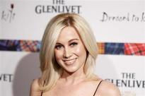 Singer Kelly Pickler jives to victory on 'Dancing With the Stars'