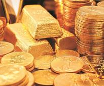 Weak global trends soften gold by Rs 250, silver slips to Rs 39,300