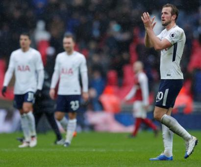 EPL PIX: Kane heads Tottenham to derby victory over Arsenal