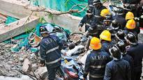 Building collapse in Dadar kills one