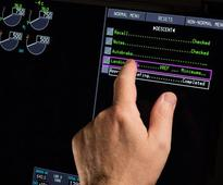 Boeing 777X First Jet to Give Pilots Data With Finger Swipe
