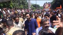 Ganpati Visarjan 2017: Ranbir Kapoor and Rishi Kapoor soak in the festivities at RK Studios