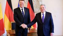 President Iohannis awards Romania's Star in the Sash rank on Germany's President Gauck