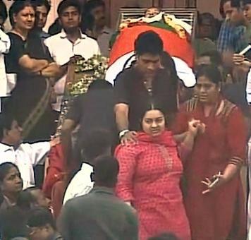 Jayalalithaa's niece Deepa finally gets to see her