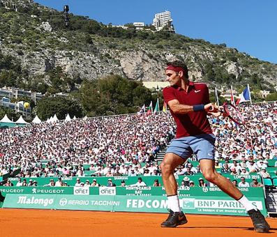 Monte Carlo Masters: Federer coasts into third round