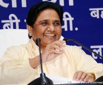 Sheila Dikshit an old lady, Raj Babbar a turncoat: Mayawati