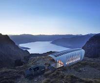 Architect 3D prints high-tech house for off grid living