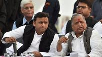 Uttar Pradesh: Seniors to mediate in Samajwadi war