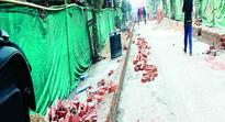 Stand off over construction of market sheds at Thangal Bazar      TAKDO calls Thangal Bazar bandh today