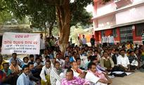 Adivasi Kalyan Sangha Holds Protest Dharana at Riamal Block Office Demanding Proper Implementation of FRA, 2006