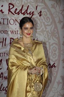 PIX: Rekha, Sridevi mingle at award function