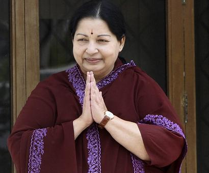 Jaya holds Cauvery review meet at hospital, dictates message for Siddaramaiah