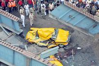 Shocking News From Kolkata Disaster, Cab Driver Dies Pleading 'Bhaiyya Mujhe Nikalo'