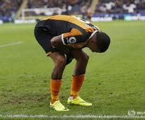 Hull striker Hernandez to have hernia operation