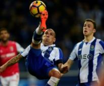 Porto, Sevilla hunt final knockout berths